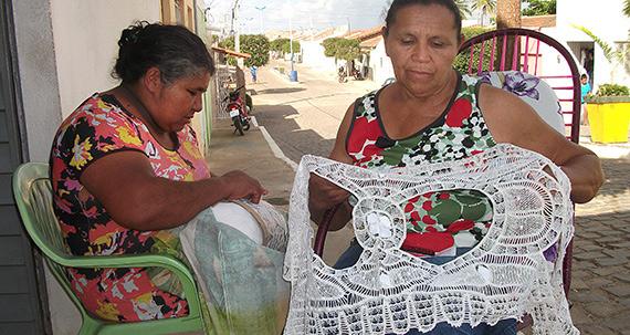 Rendeiras da Coopetigre e Renda Renascença (Paraíba)